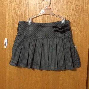2/$18 🖤 Girls 10/12 large pleated skort w/ buckle